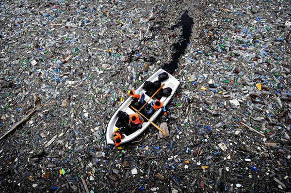 A Big Mess in the Oceans – And No One to Clean Up?