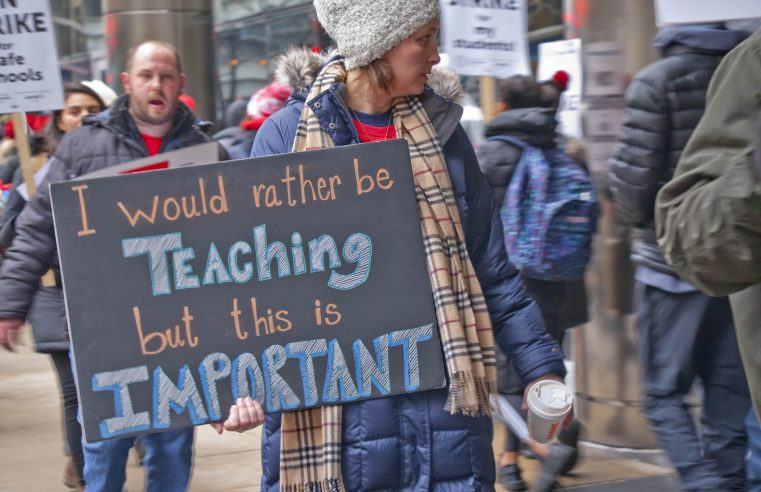 Educators on Strike in Chicago: Demanding Changes that Extend to Broader Social Issues