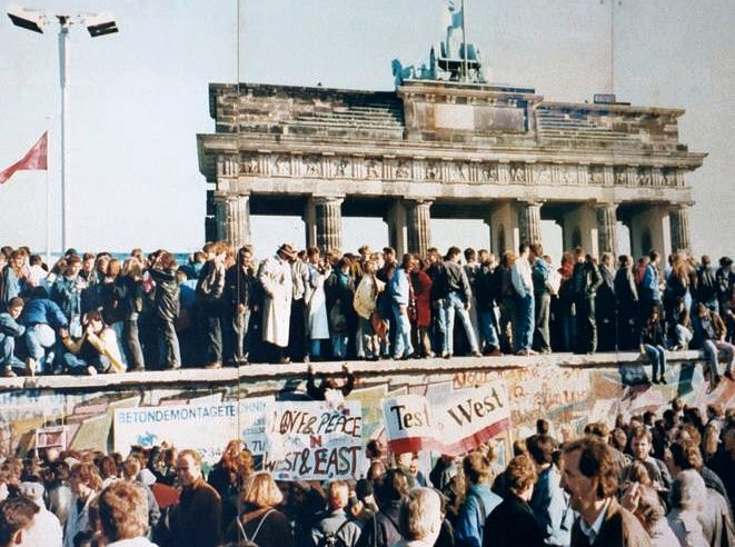 From a wind of change to a whiff of disappointment – The implications of the elections in East Germany 30 years after the fall of the Berlin Wall