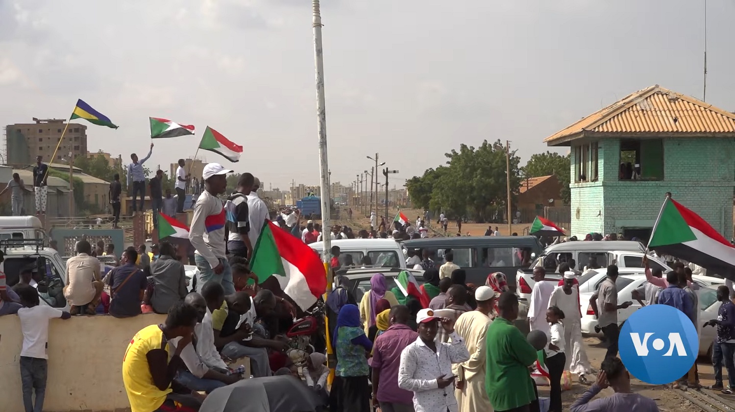 """""""Just Fall – That is All"""" – Or is it? Sudan's Road to Political Transition, and an Uneasy Path Ahead"""