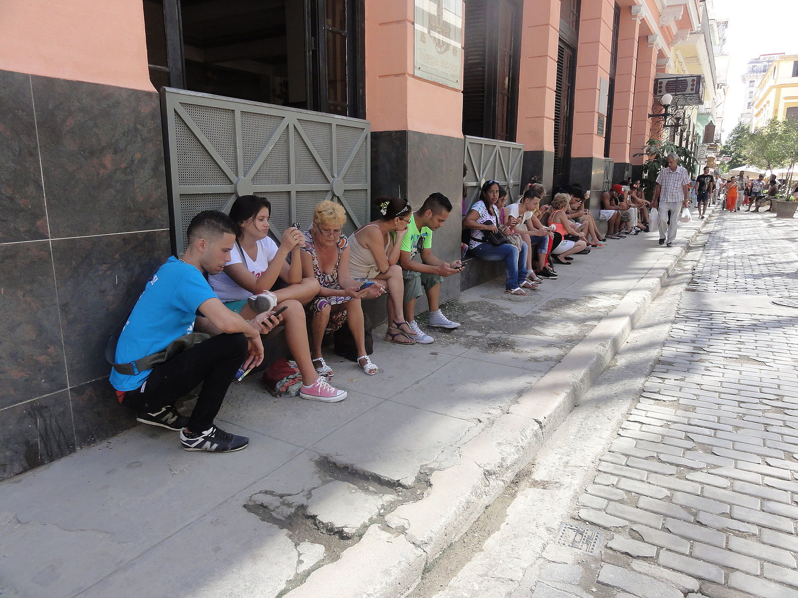 Online, In Line: Cuba's Internet Liberalisation Only a Small Reason to Celebrate